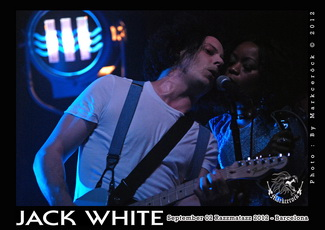 Jack White + Peggy Sue (Razzmatazz, Barcelona 02/09/2012). Foto: Markceröck